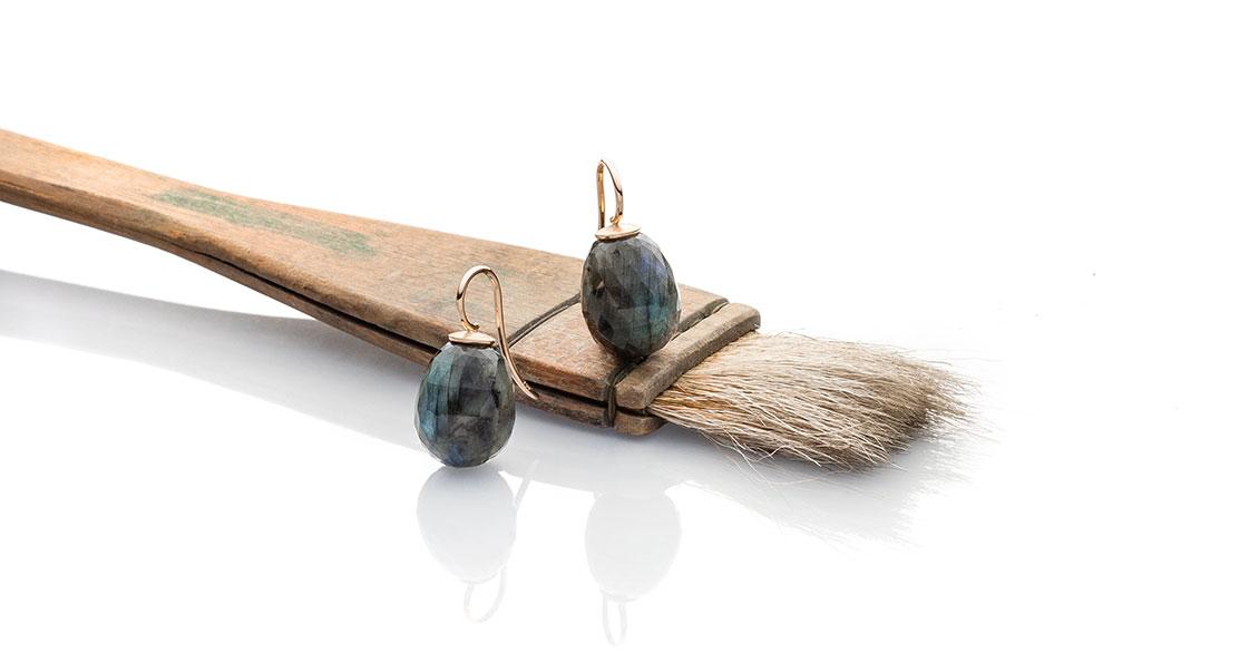 Einhänger mit Labradorit-Pampeln in 750 Roségold